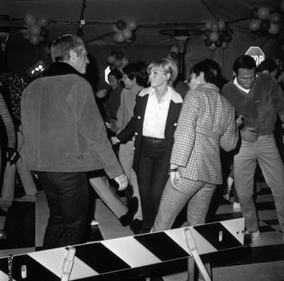 010 DANCING